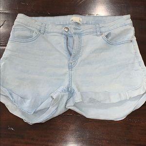 Super cute H&M jean shorts
